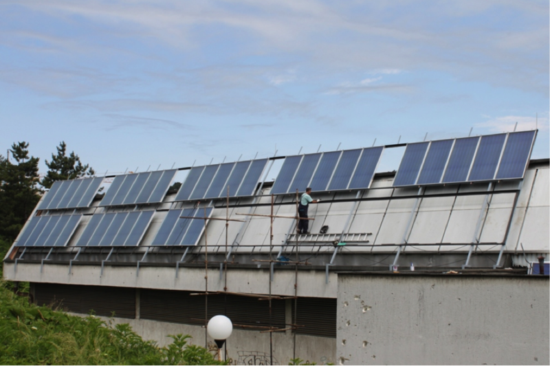 Thermal solar collectors being installed at the sports and culture centre in Tuzla