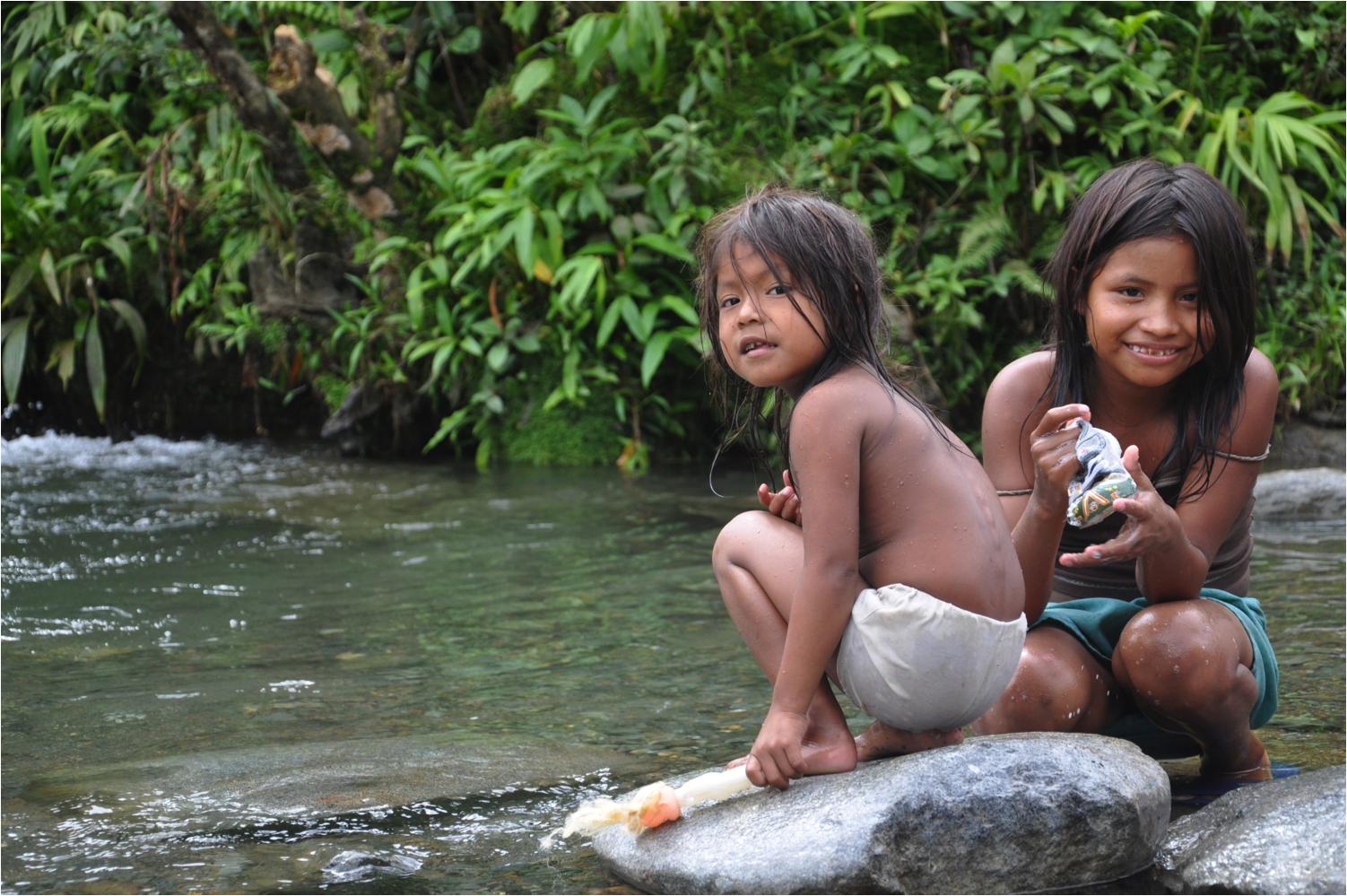 La intervención se enfocó en tres grupos étnicos: el pueblo indígena de los Pastos, las comunidades afrocolombianas y el pueblo indígena Esperara Siapidaara