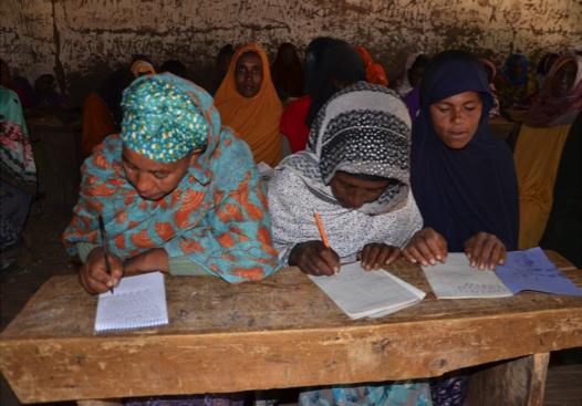 Mujeres rurales de Oromia participan en capacitaciones para aumentar sus habilidades de alfabetización y capacidad empresarial