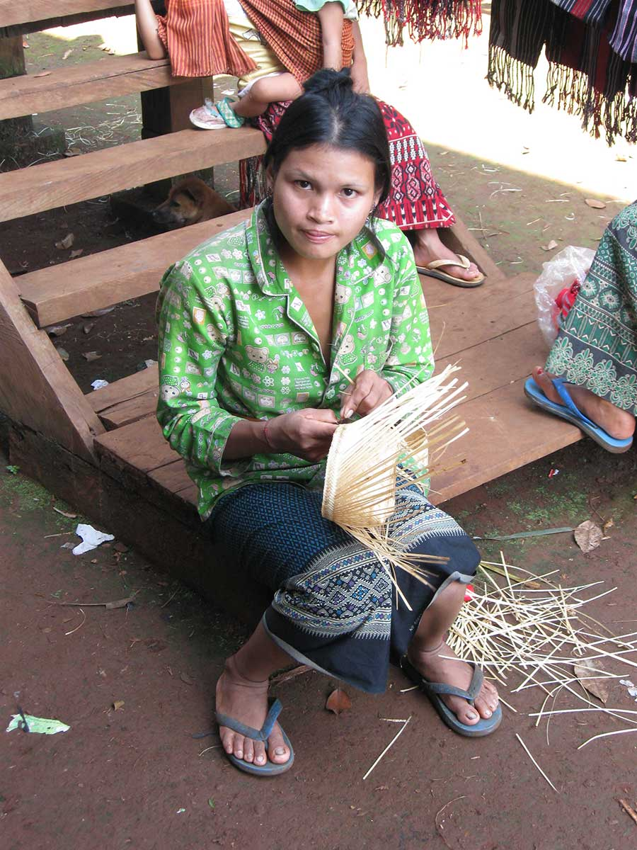 Basket weaver in Ratanakiri