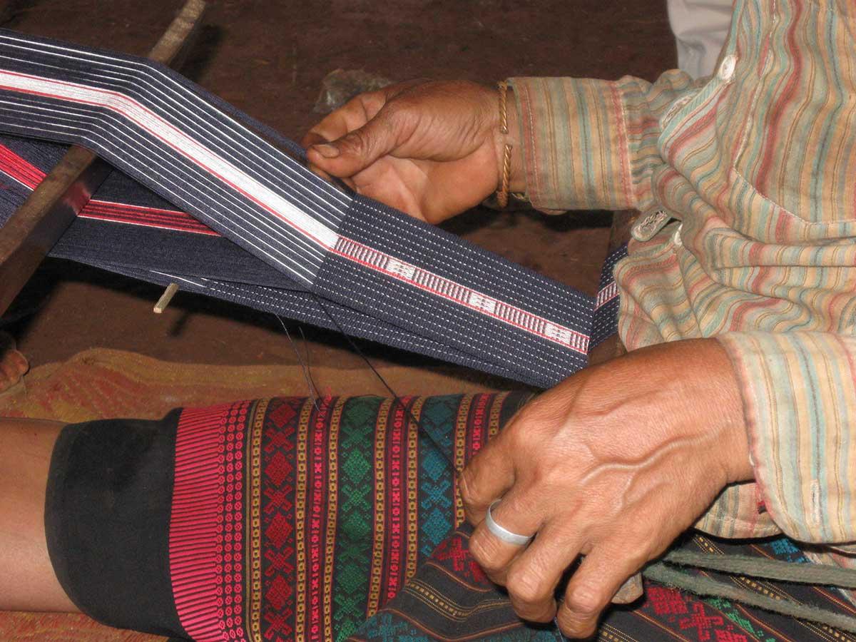 Textile weaving in Ratanakiri