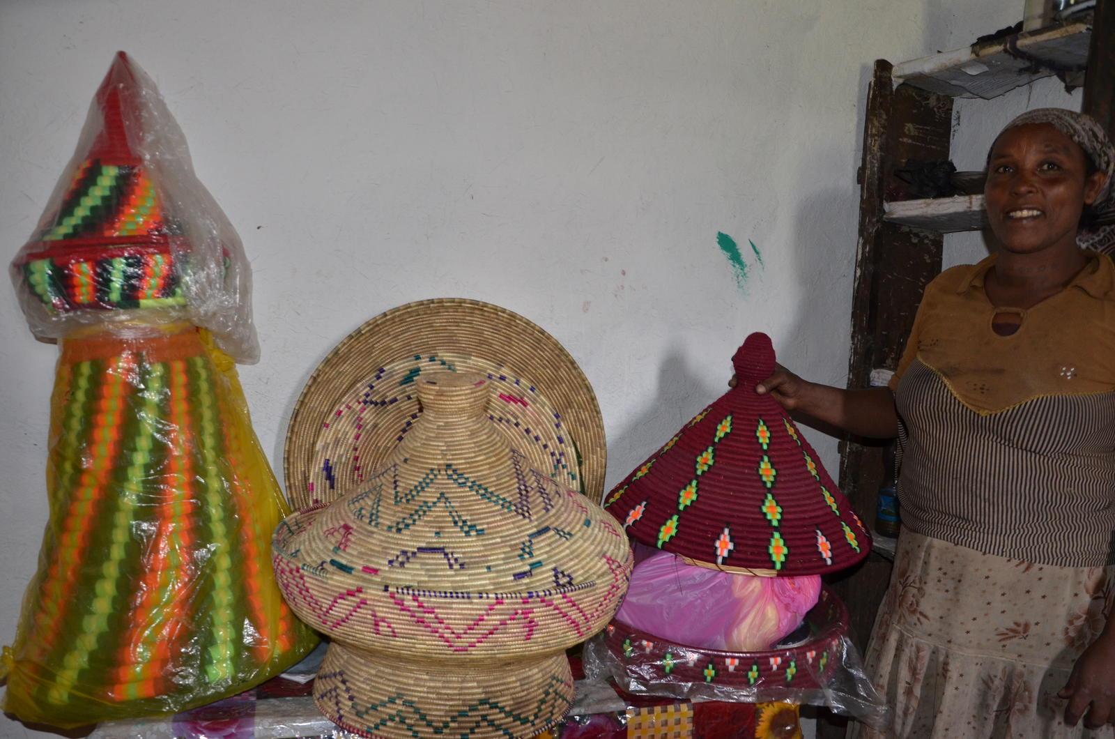 Tadelech with the hand waved baskets (Photo-UN Women-Fikerte Abebe)